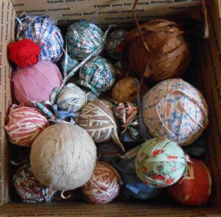 32 Primitive Antique Vintage Fabric Rag Balls Authentic Old No Repro All Sizes photo