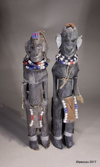 Vintage African Cameroon Carved Wood Two Female & Baby Figurine Group photo