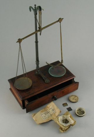 Antique W & T Avery Birmingham Cased Apothecary Beam Balance Scales & Weights photo