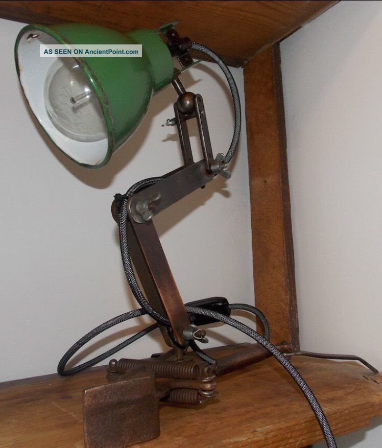 Antique Vintage Industrial Enamel Machinists Anglepoise Lamp. 20th Century photo