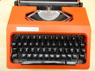Typewriter Robotron Cella S 1001 In Orange Low Number 020749 photo