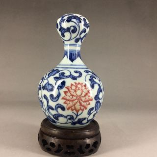 Chinese Blue And White Porcelain Painting - The Vase Of Flowers photo