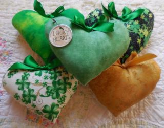 Primitive St Patricks Day Heart Pillow Tucks Lucky Hearts Home Decor Ornaments photo