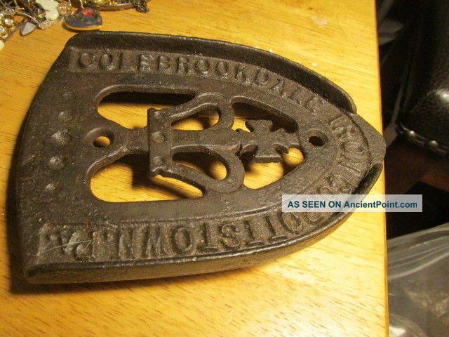 Cast Iron Iron Rest Colebrookdale Iron Co.  Pottstown Pa. Trivets photo