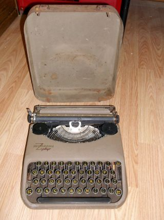 Smith Corona Zephyr Portable Typewriter - 1940s - - Vtg - Antique photo