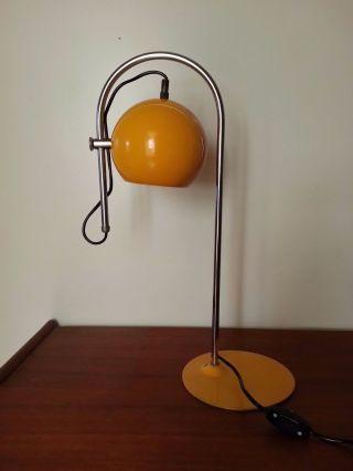 Vtg 1960 - 70s Yellow Mid Century Atomic Age Adjustable Eye - Ball Desk Lamp photo