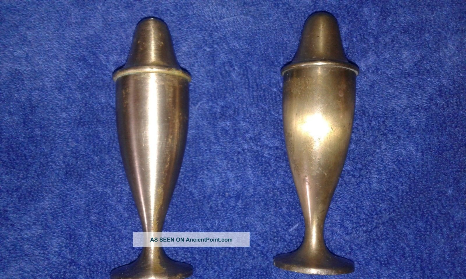 Vintage Brass Salt & Pepper Shakers Tri - Gold Trivets photo