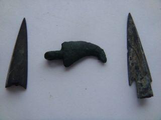 Ancient Skythian 2 Arrowheads & 1 Claw photo