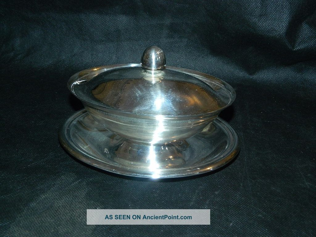 Reed & Barton Silver Plated Gravy Boat W/attached Under Plate & Lid.  Ca 1954 Sauce Boats photo