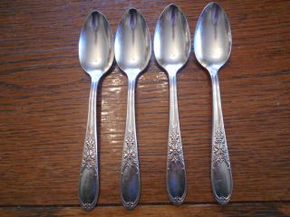 4 Rogers 1934 Burgandy Pattern Teaspoons Is Silverplate Flatware 929 photo