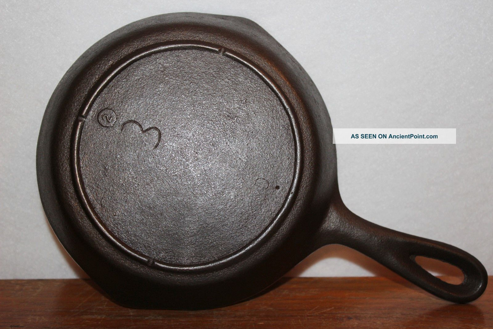 Near - 1940 ' S To 1950 ' S Lodge No.  3 Cast Iron Skillet 3 Notch Heat Ring Hearth Ware photo
