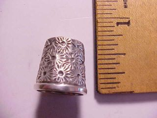 Antique Coin Silver Short Thimble With Spider Web Design Vg, photo