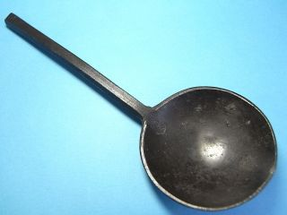 British Thames Found Large Pewter Spoon With Makers Mark.  1600 - 1610.  (a972) photo