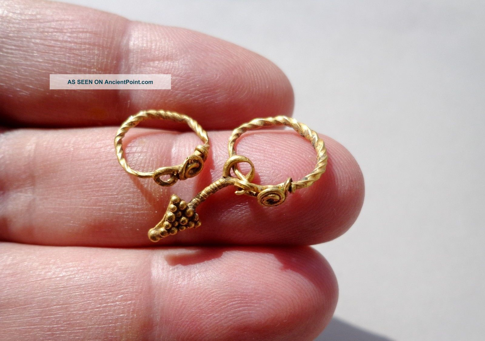 Ancient Roman Gold Rings Pendants,  Nicely Twisted And Granulation Decoration Roman photo