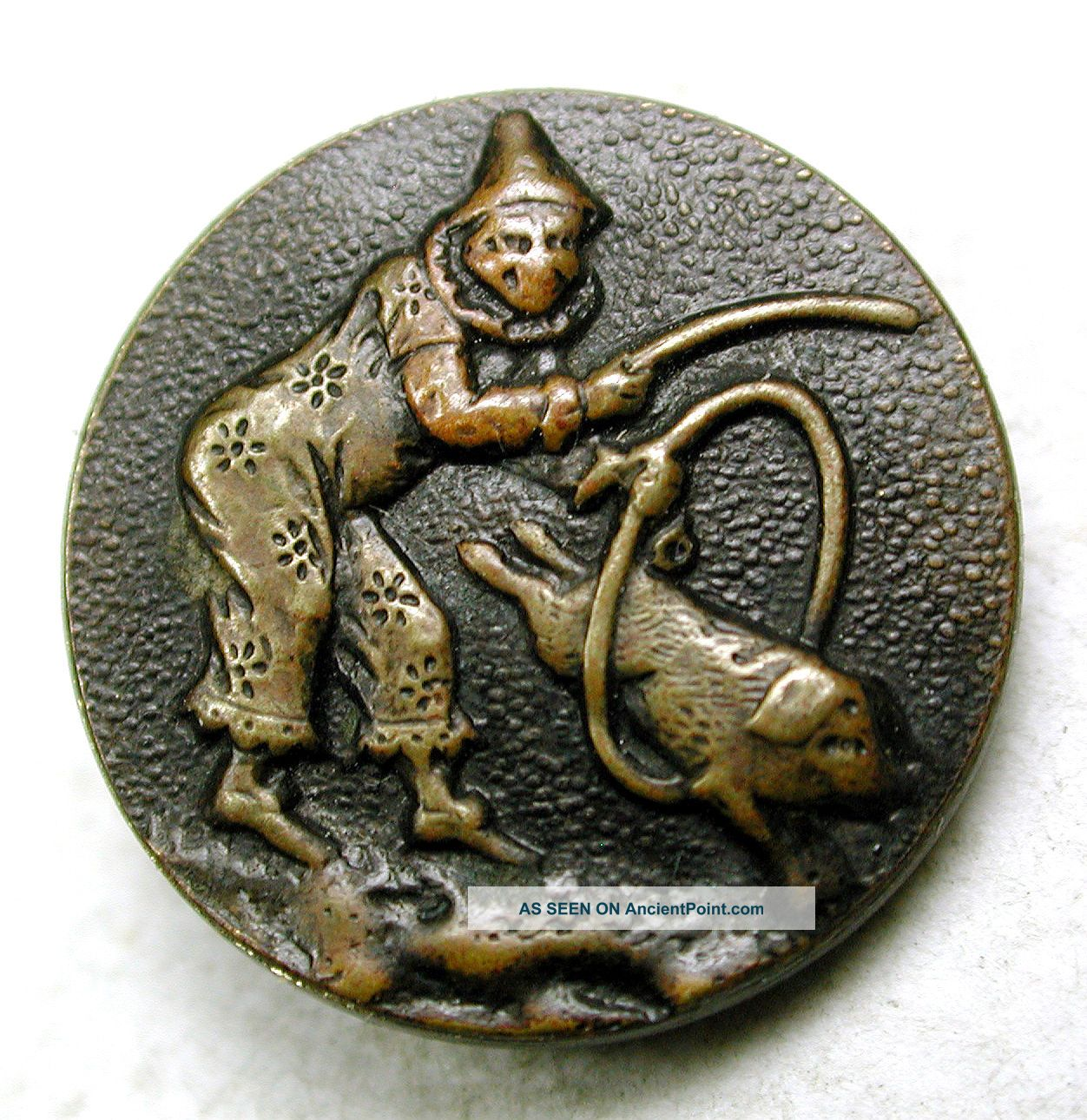 Antique Paris Back Button Circus Clown W Pig Jumping Through Hoop 9/16
