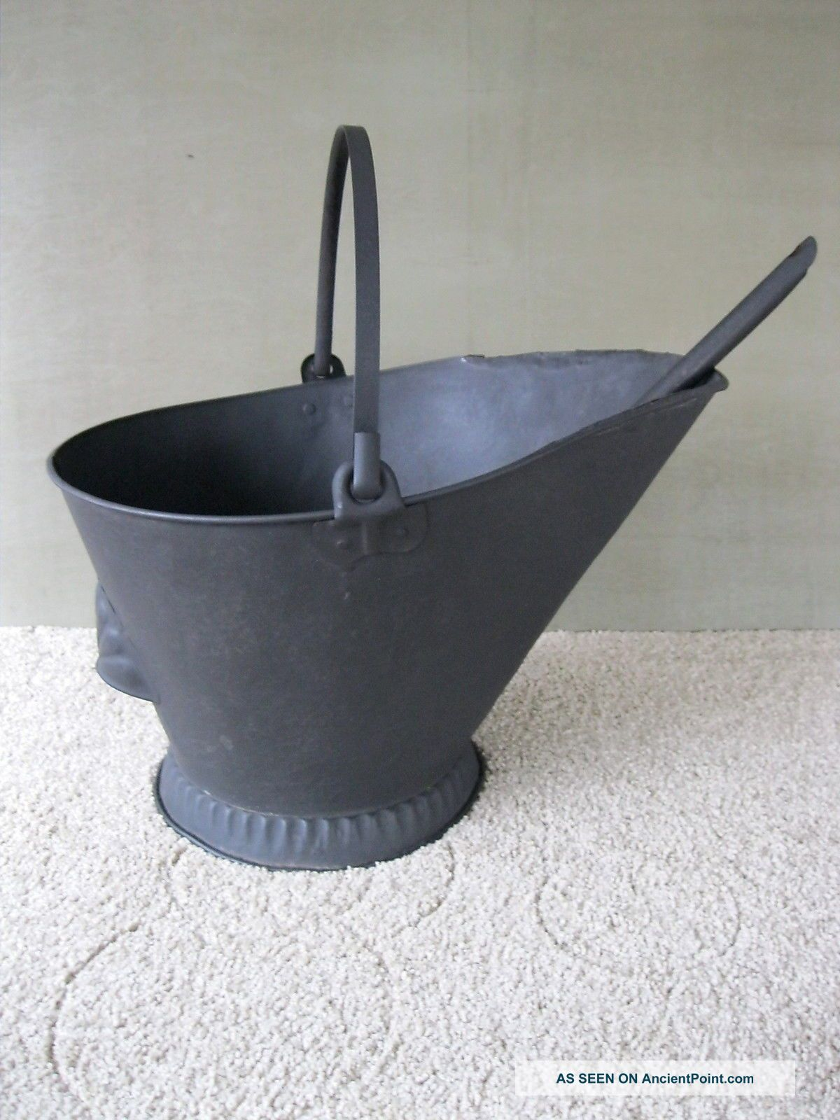 Antique Coal Scuttle Hod Bucket Primitive Embossed 17 Metal Ash Shovel Bail Hdl Hearth Ware photo