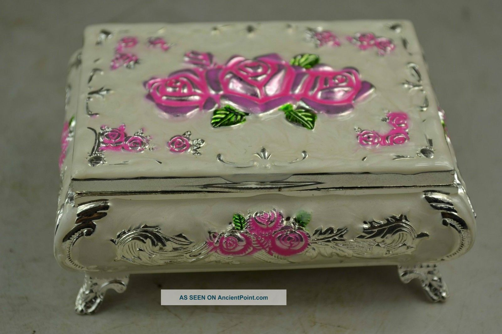 Chinese Rare Old Handwork Cloisonne Decoration Noble Rose Court Jewelry Box Boxes photo