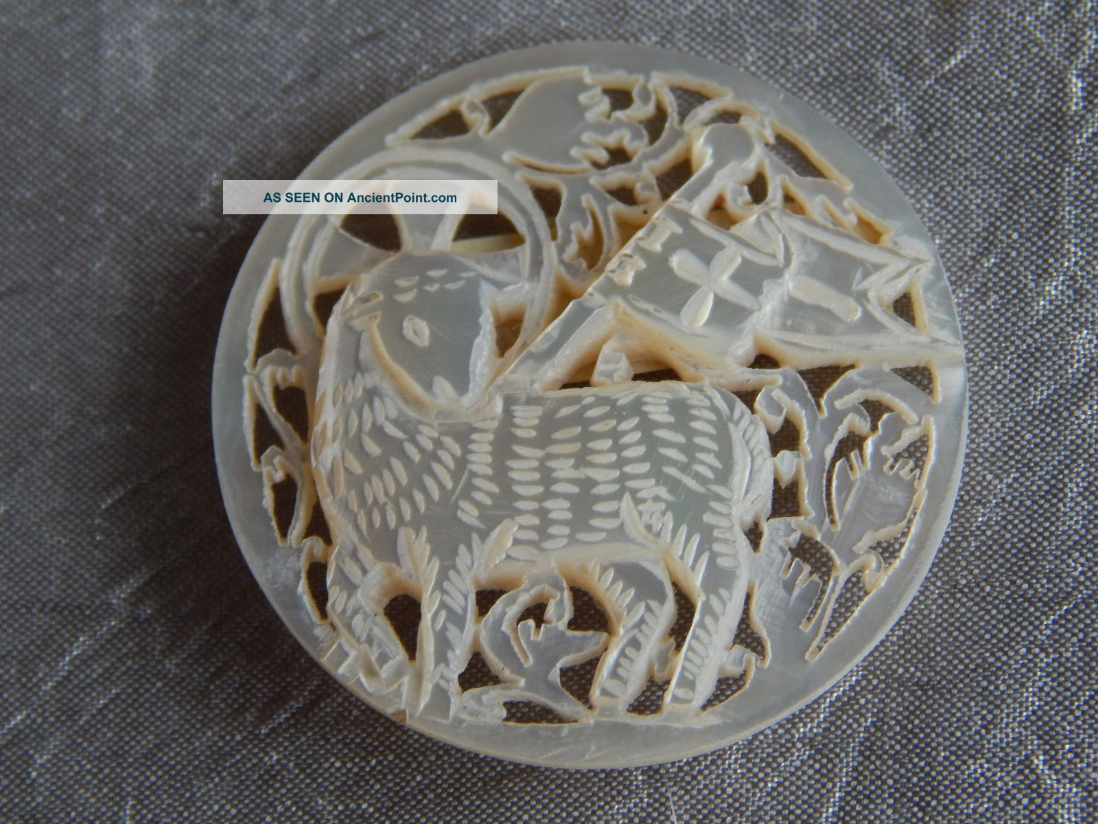 Vintage Bethlehem Button Lamb Of God Carved Mother Of Pearl 003 Buttons photo