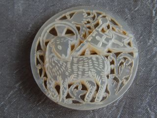 Vintage Bethlehem Button Lamb Of God Carved Mother Of Pearl 003 photo