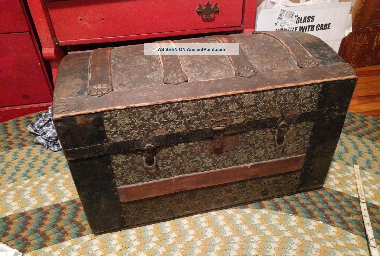 Antique,  Dome Top Tin / Wood Ornate Steamer Trunk (late 1800,  S - Victorian) 1800-1899 photo