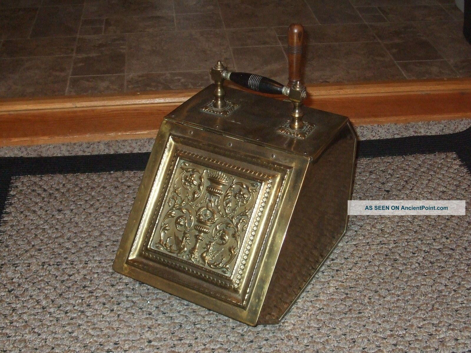 Antique Vtg Brass Wood Handle Coal Ash Bin Fireplace Fire Scuttle Box 1850 Hearth Ware photo