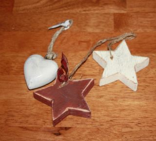 Wood Stars And Heart With Jute Hangers With Tag photo