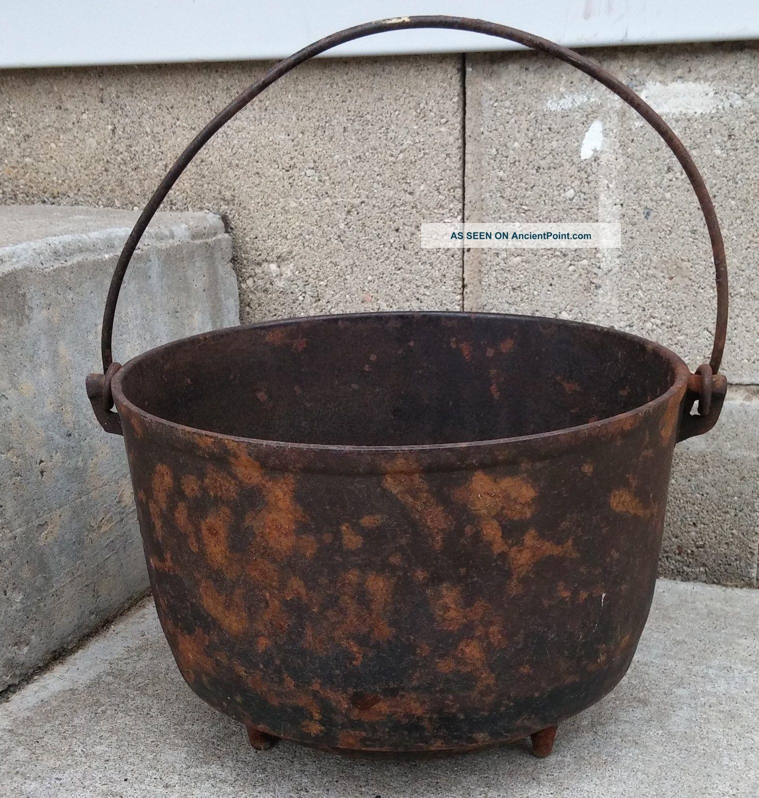 Antique Primitive Cast Iron Favorite Piqua Ware 8 Footed Pot Cauldron Planter Hearth Ware photo