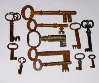 A Quantity (12) Georgian & Victorian Keys Etc photo