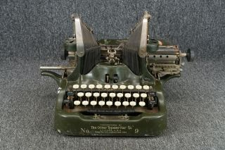 Vintage Oliver Typewriter No 9 Mechanical Typewriter Patented November 5th 1912 photo