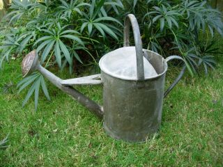 Vintage 2 Gallon Galvanised Beldray Metal Watering Can With Copper Rose (867) photo