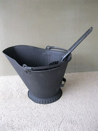 Antique Coal Scuttle Hod Bucket,  Primitive 17 Metal Ash Shovel Bail Handle photo