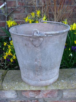 Vintage Riveted Galvanised Bucket Garden Planter (142) photo