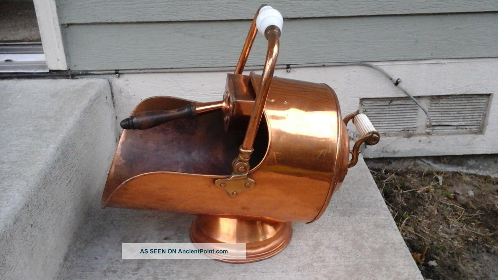 Vtg White Handle Copper Coal Scuttle Ash Bucket W - Shovel Fireplace Wood Stove Hearth Ware photo