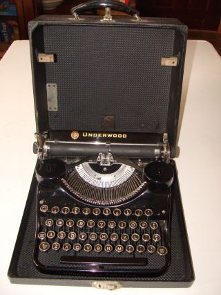 Vintage Underwood Portable 4 Bank Keyboard Typewriter; Cond. photo