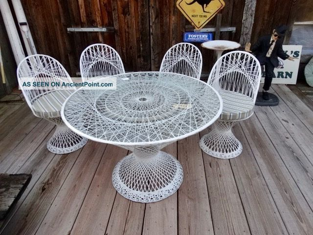 Midcentury Modern Russell Woodard Spun Fiberglass Patio Table With 4 Chairs Mid-Century Modernism photo