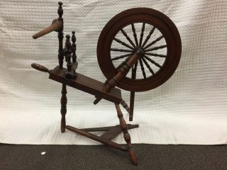 Antique Primitive Wood Colonial Spinning Wheel With 20