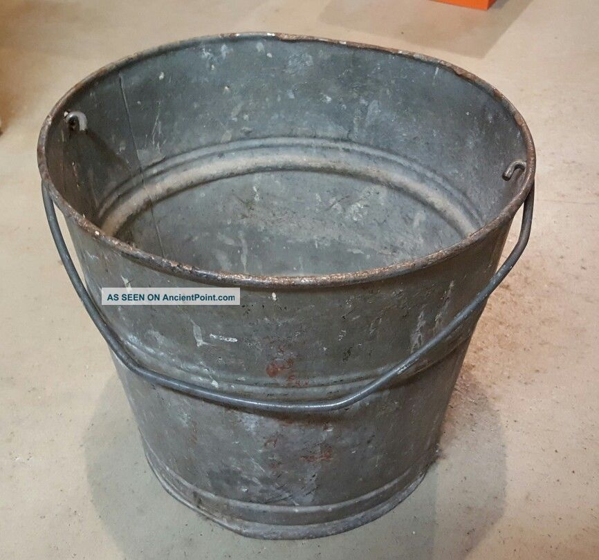 Vintage Galvanized Metal Bucket Heavy Wire Handle Feed Farm Antique Primitives photo