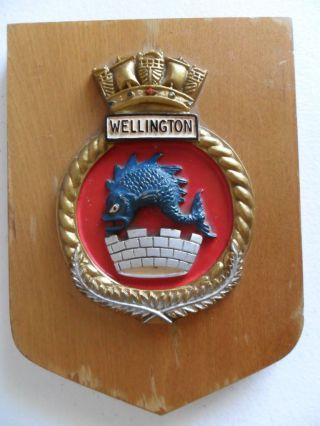 Naval Hmnzs Wellington (f69) 1980 ' S Crest photo