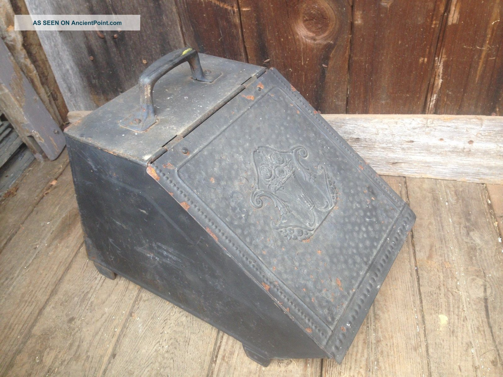 Vintage Coal Scuttle Bucket Primitive Metal Ash Bail W/handle Parts Bin Hearth Ware photo