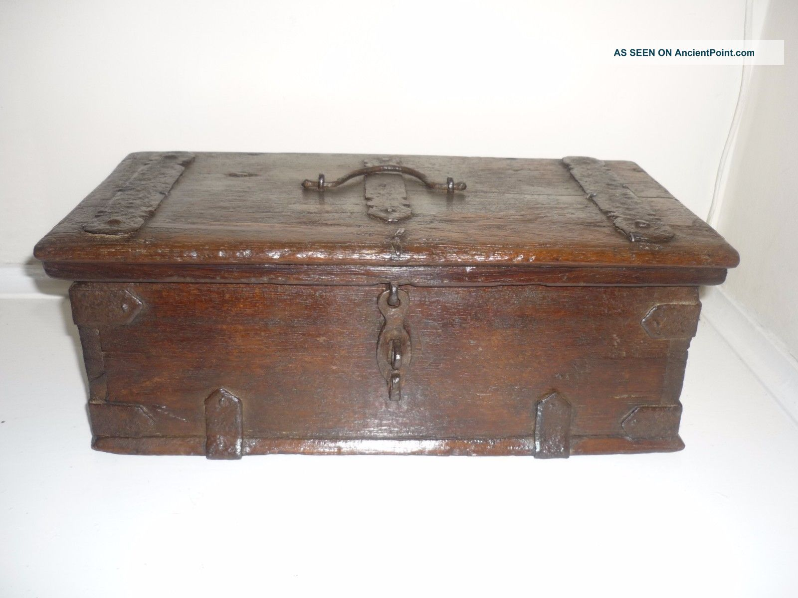 Rare 17th Century Spanish Iron Bound Oak Box C1650 Pre-1800 photo