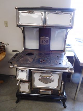 Antique Alcazar Lustre Wood Cook Stove photo