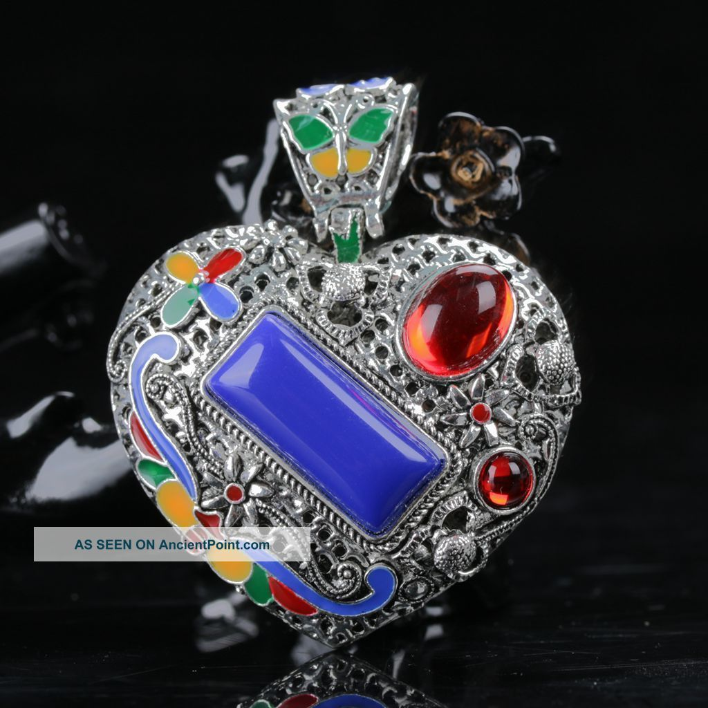 Chinese Exquisite Cloisonne Inlaid Zircon Hand Carved Heart Shape Pendant Necklaces & Pendants photo