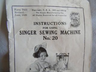 Collectible Antique Singer Mini Child Sewing Machine 1926 Case Hand Crank 20 photo