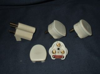 3 Vintage 2 Amp Plugs & A 2 Way Adaptor photo