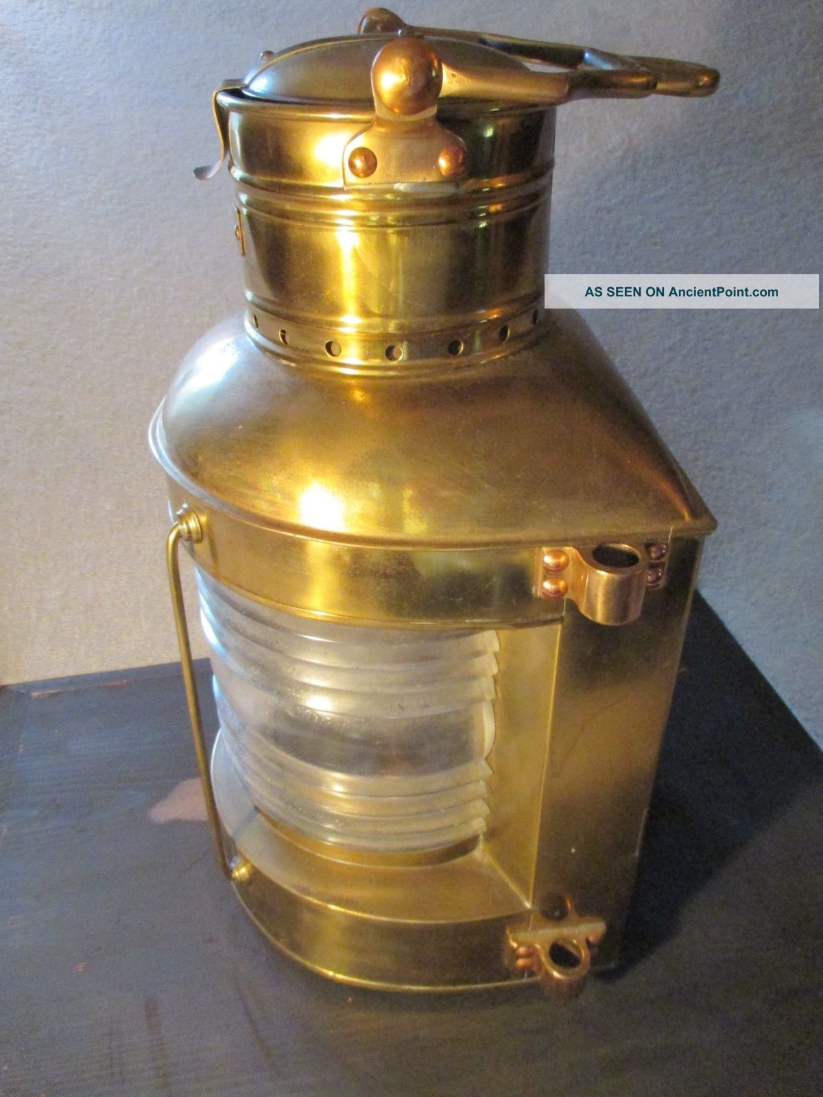 Antique Russell & Stoll Brass Nautical Ship ' S Oil Lamp.  Fresnel Lens On Lantern. Lamps & Lighting photo
