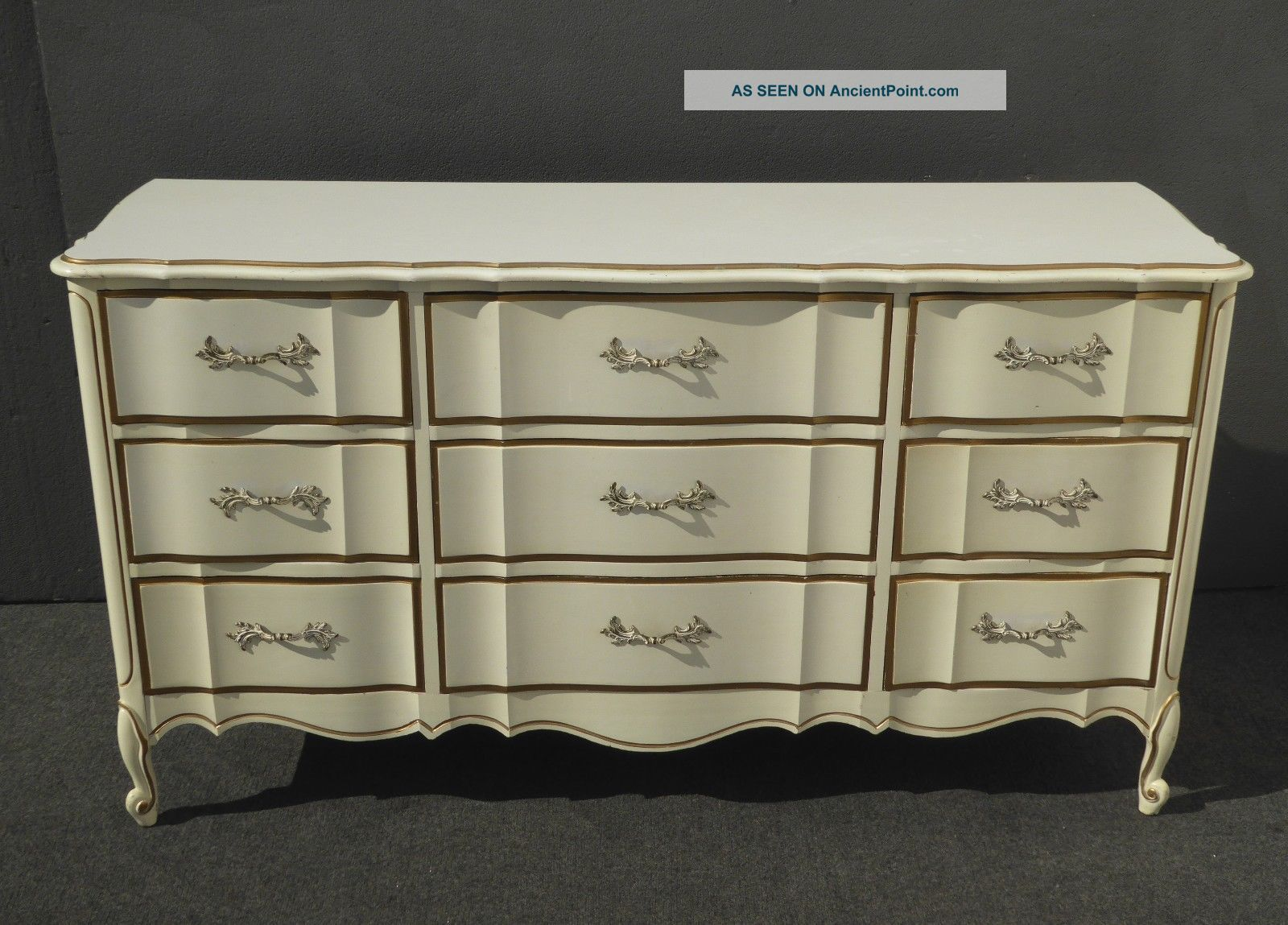 Vintage French Provincial Dixie Off White Amp Gold Triple