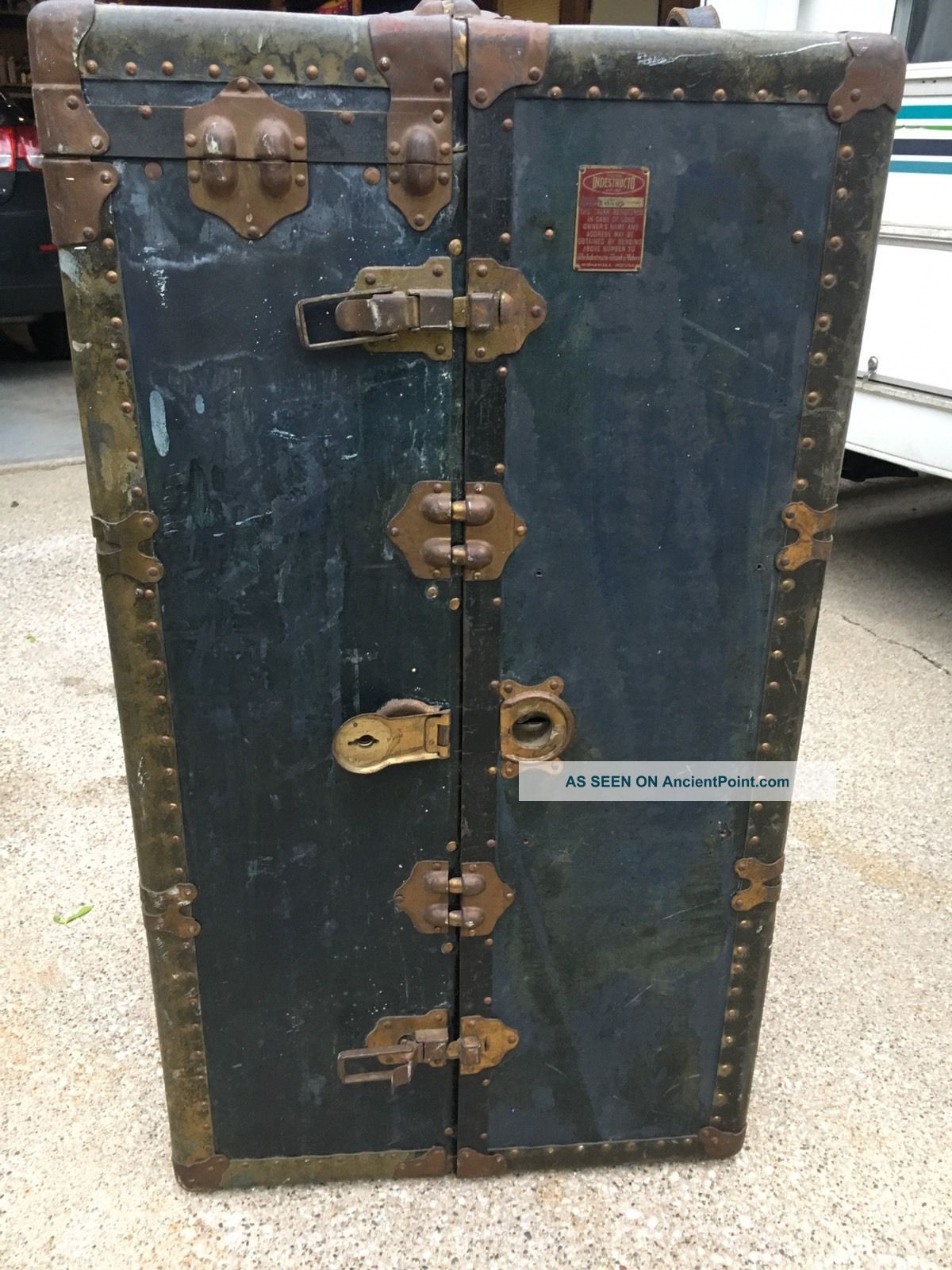Vtg Antique Indestructo Wardrobe Steamer Travel Trunk Patina Old Table Project 1900-1950 photo