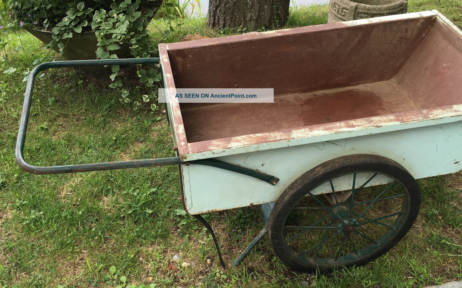 Antique Garden Cart The Town And Country Hinesburg Vermont