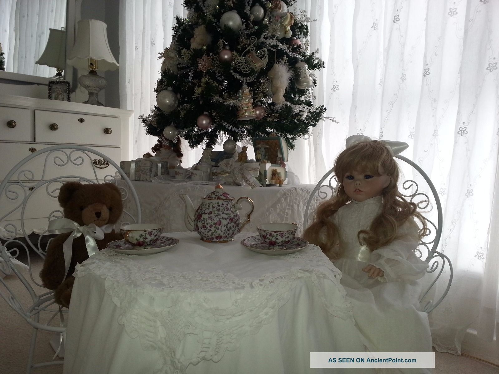 Vintage Child Doll Wrought Iron Metal Ice Cream Parlor Bistro Table & 2 Chairs Post-1950 photo