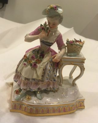 Antique 1910 Meissen Figurine Lady With Flowers At Table 5